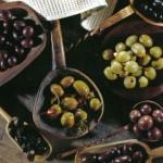 Il patè d'olive, per dare un tocco di sapore e per aromatizzare un piatto di verdure, pasta o pesce.